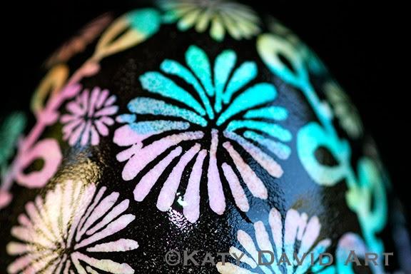 Tie-dyed batik eggshell