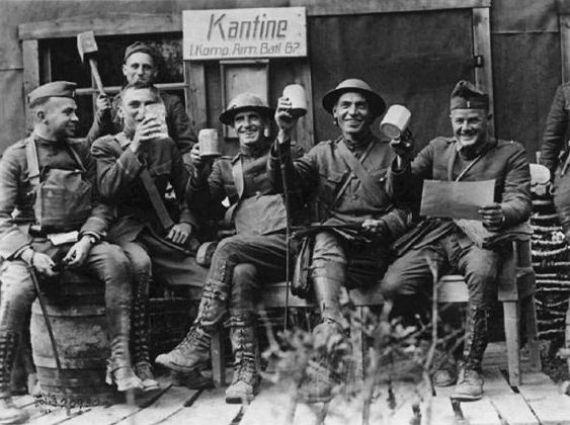 Pesta minuman setelah berperang