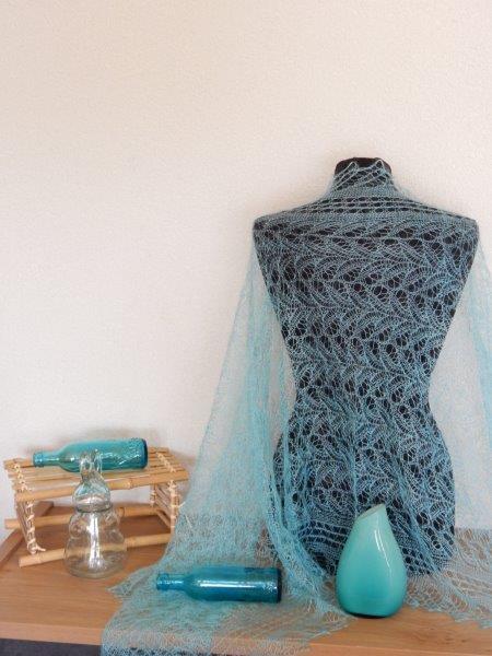 TE KOOP: Turquoise shawl