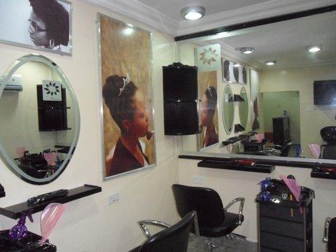 Deepbrown kinks o 39 naturals salon opens this saturday for Nikki o salon lagos