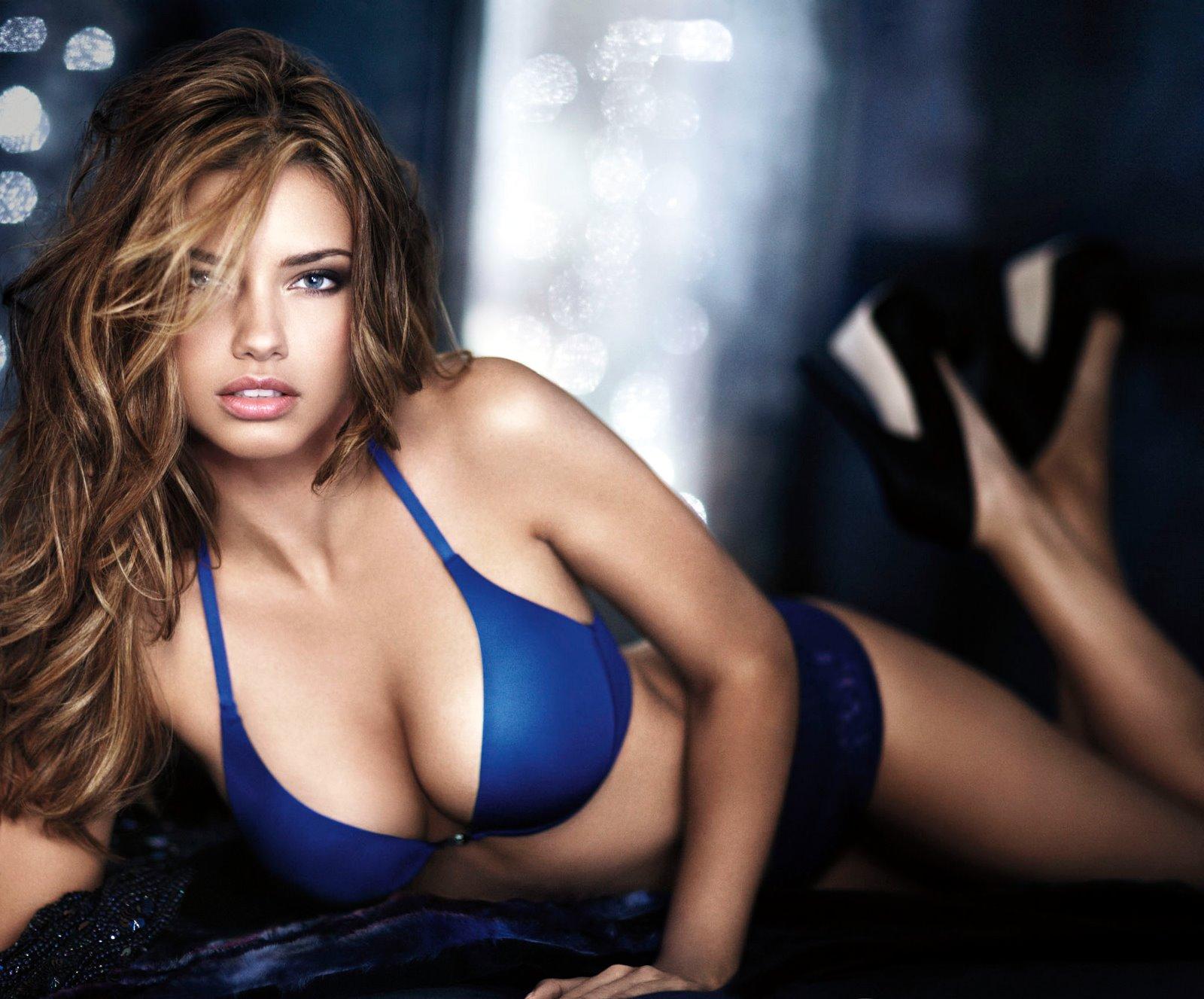 http://1.bp.blogspot.com/-q6VhQH99FfQ/ToSpuMkcDyI/AAAAAAAAALU/T8wy3lzj5wU/s1600/Adriana_Lima_10100002.jpg