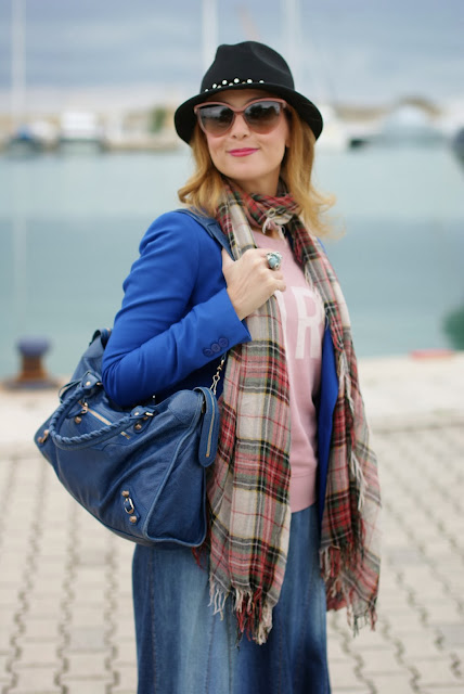 Maxi denim skirt, Balenciaga City blue, Zara plaid scarf, Fashion and Cookies, fashion blogger