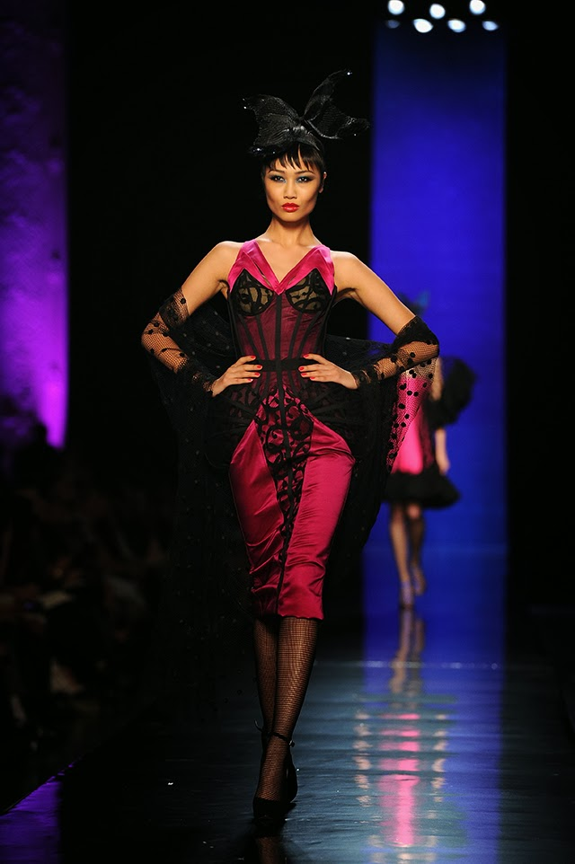 Dita Von Teese Rocks Jean Paul Gaultiers Couture Show In Paris photo 3