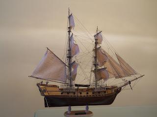 maqueta a escala de un barco pirata