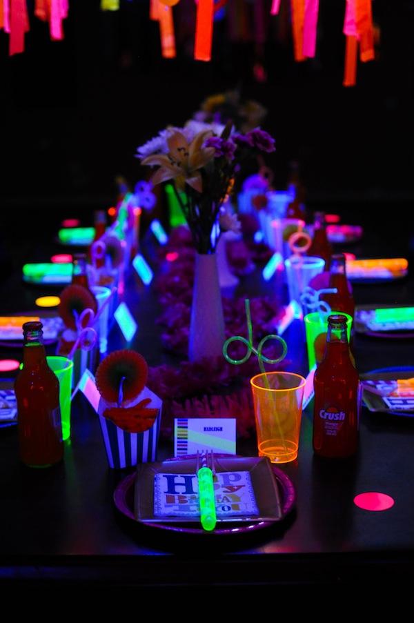 New Model Built Bar Service Counter 1746854096 furthermore Bar Restaurant Neon Led Sign Letters besides Design Restaurant Counter Modern Fast Food 1817980285 additionally Festa Balada Mariane likewise Wonderful Led Tube Light Fixture. on led buffet lights
