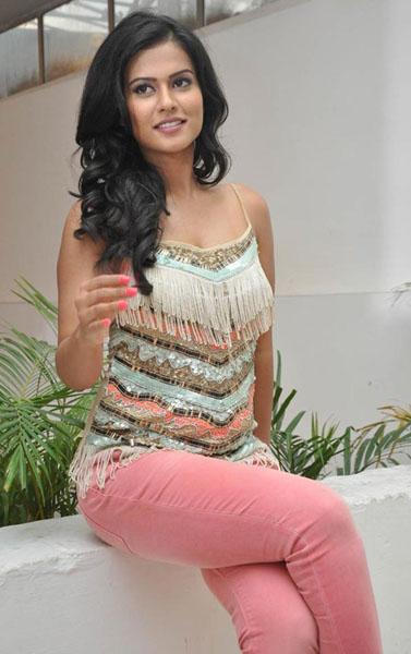 kevvu keka movie heroine sharmila mandre pics4