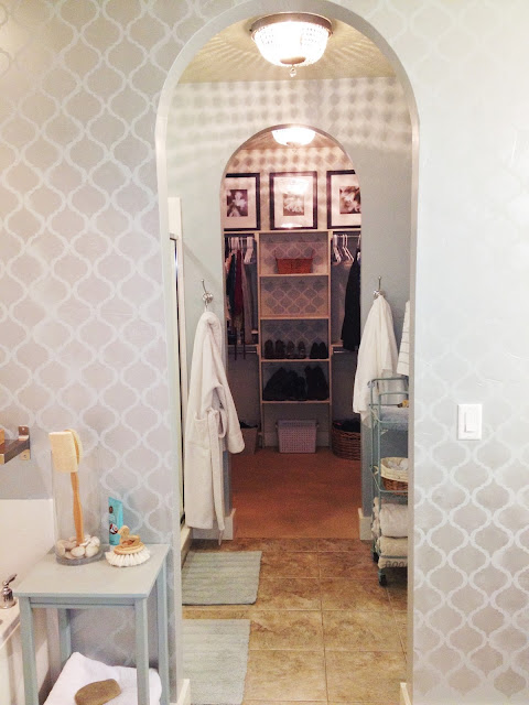 Check out this beautiful DIY Bathroom Makeover