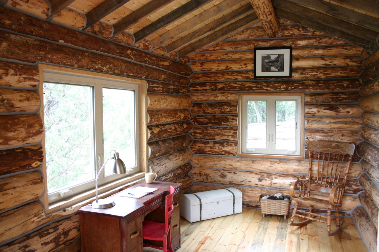 Ski House Of The Day Hut Old Electrical Wiring A Few New Things Such As Insulation In Ceiling And Floor Plus Nails Chinking Sealing Spaces Between Logs Had