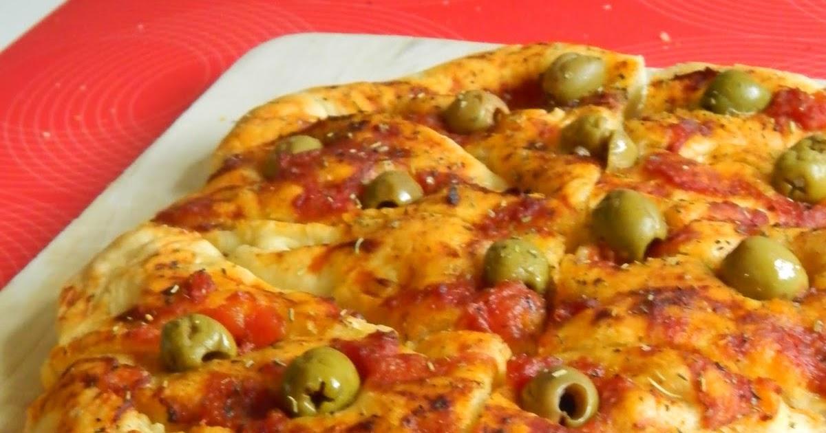 Le petit coin de cuisine de yasmine fougasse aux olives vertes - Petit coin cuisine ...
