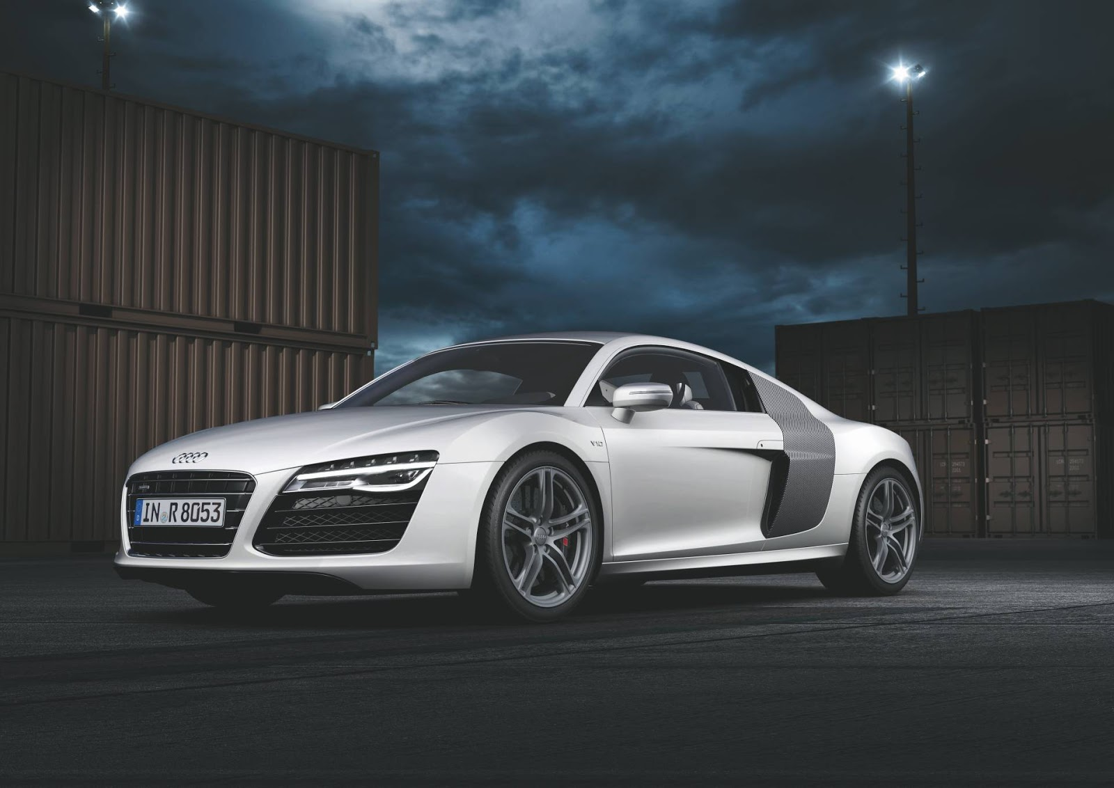 audi r8 v10 coupe 2013 hottest car wallpapers bestgarage. Black Bedroom Furniture Sets. Home Design Ideas
