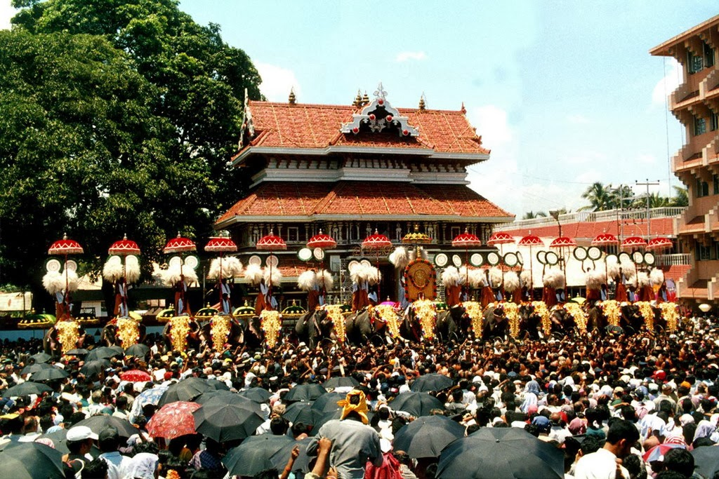 Thrissur Pooram - the most famous festivals in Kerala