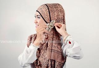 cara+memakai+jilbab+pashmina+(5) Cara Mudah Dan Cantik Memakai Jilbab Pashmina 2014