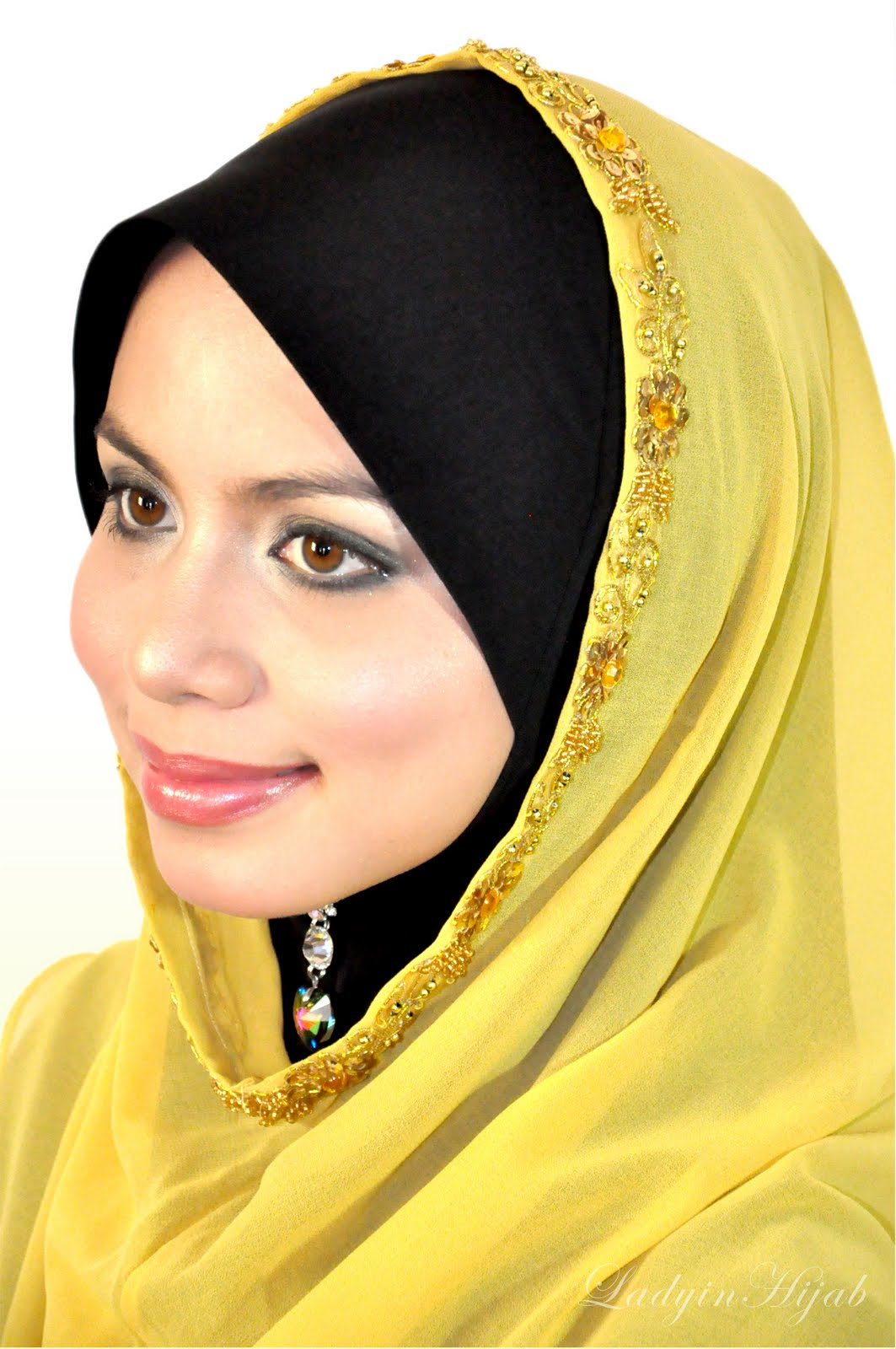 Lady in hijab photos