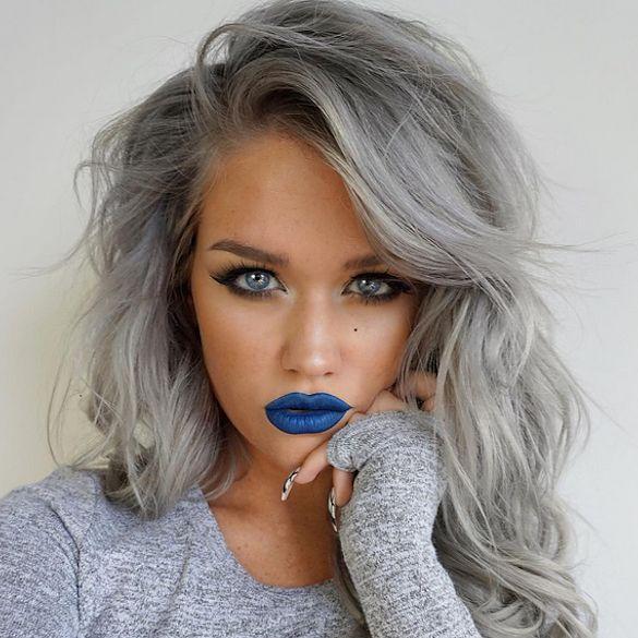 Девушки с серыми волосами