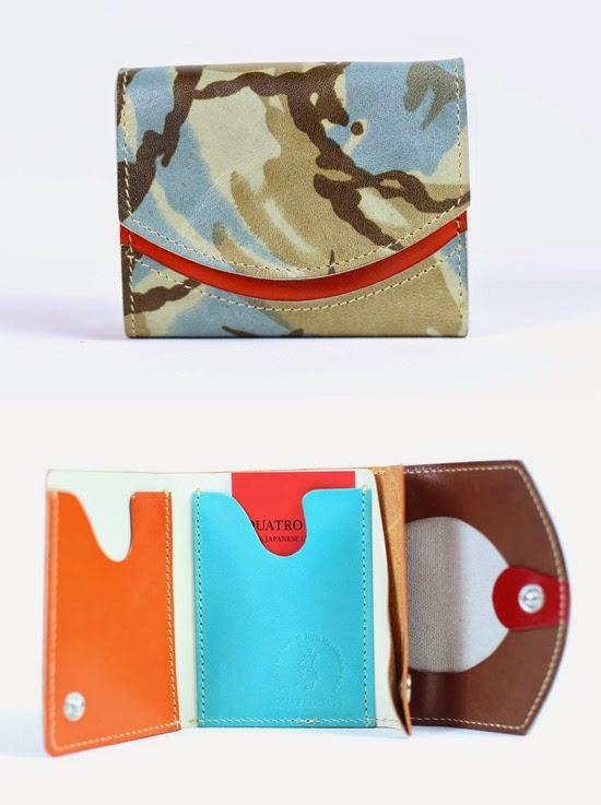 小さい財布アカアラ