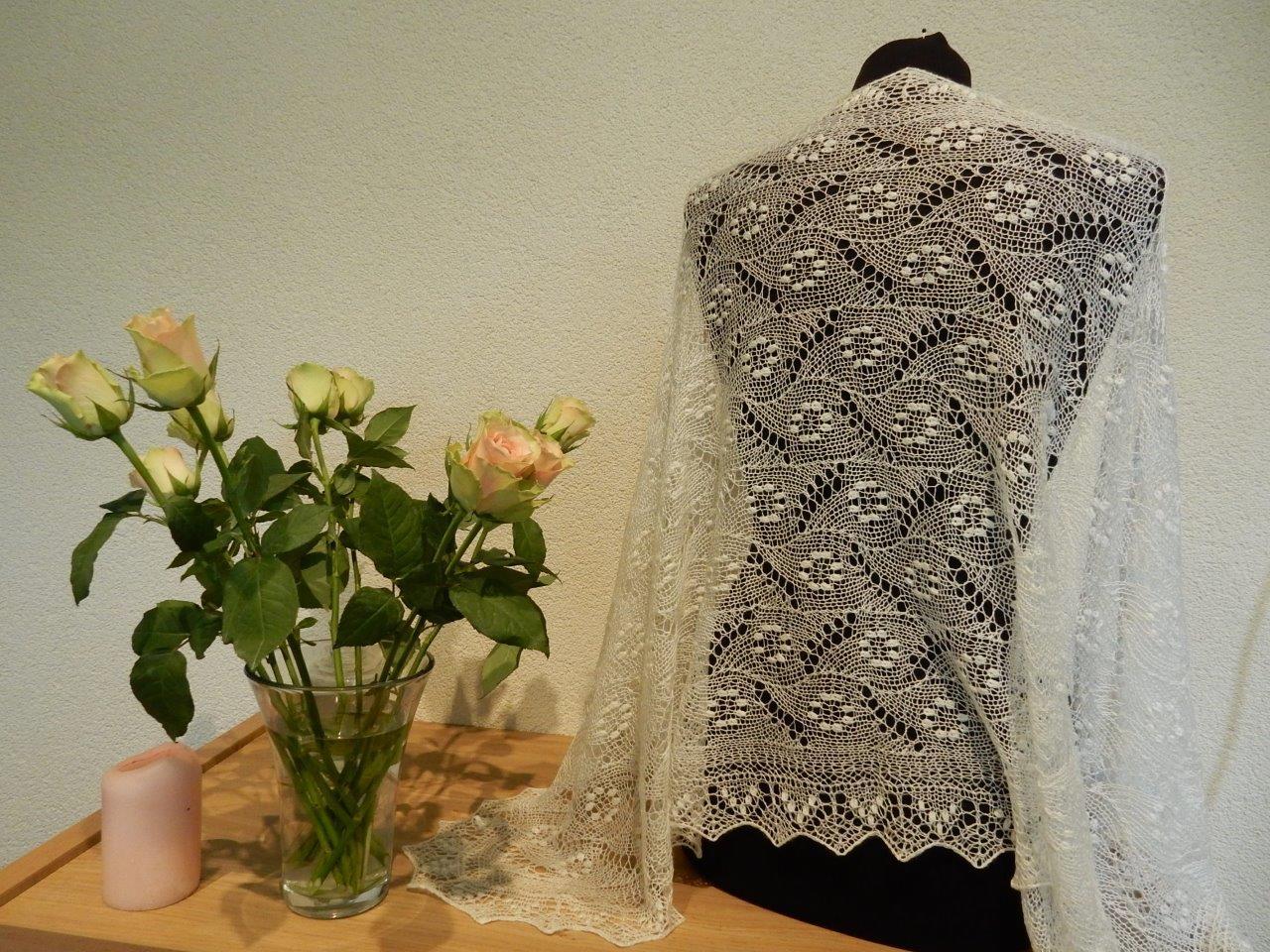 Weer TE KOOP: bruidssjaal: verzendklaar.