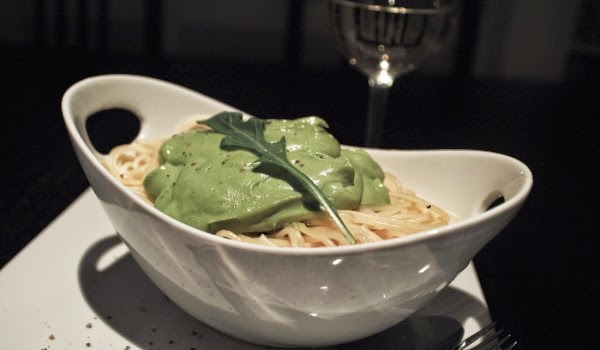 http://www.veganblog.de/2014/08/21/rezept-avocado-rucola-pesto/