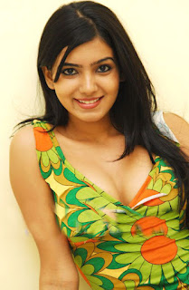 samantha spicy pic in green dress