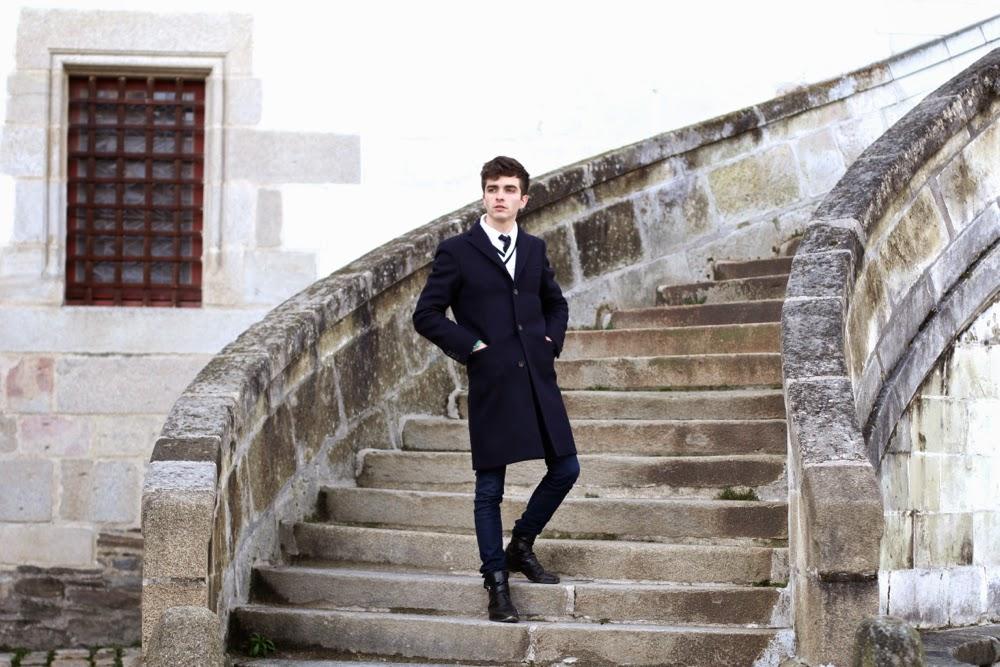 Blog mode homme style château ducs bretagne nantes acnes studios manteau pull col châle, boots à boucles mensfashion Paris