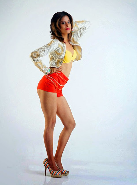 Anukriti Sharma  Spicy Pictures 11.jpg