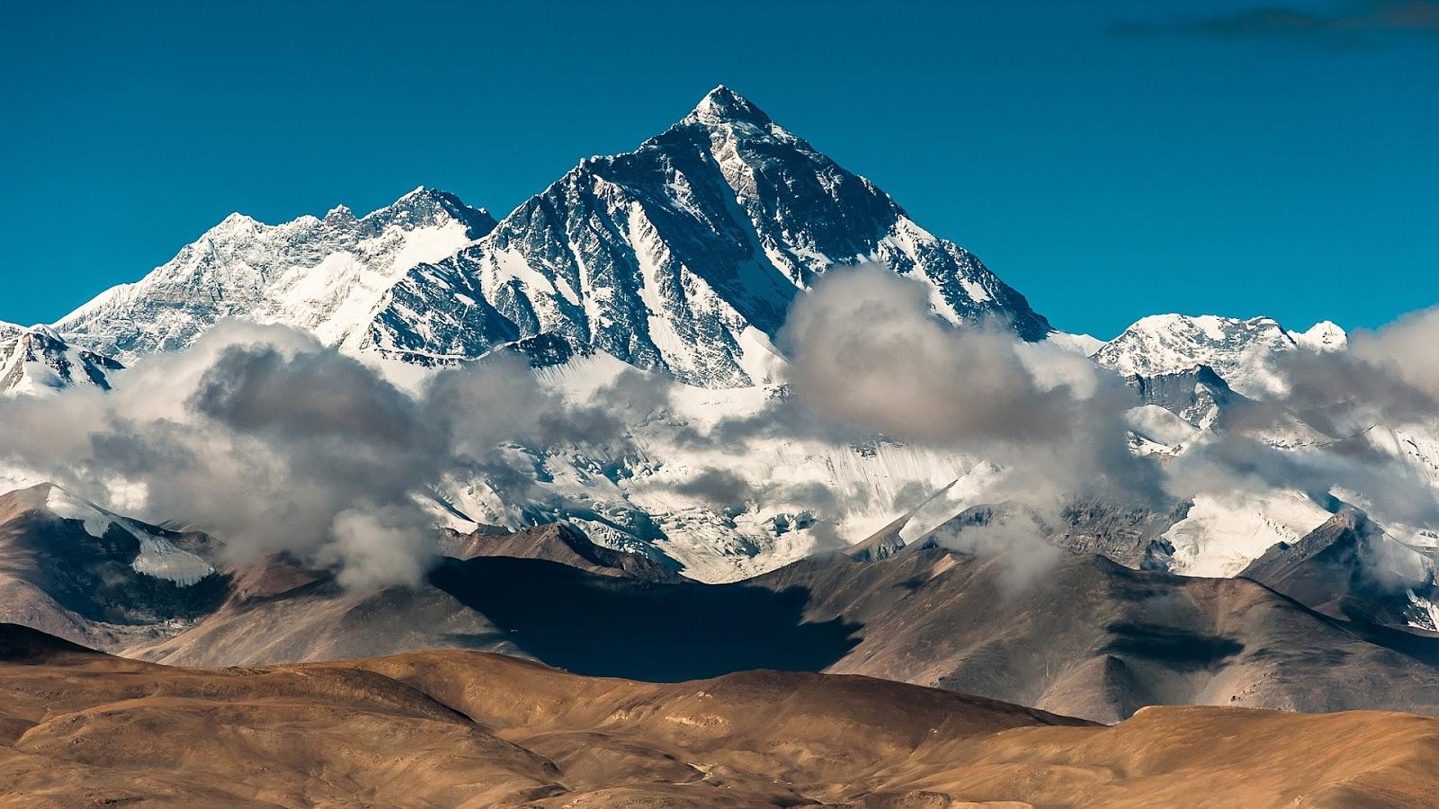 http://1.bp.blogspot.com/-q8SOB7AkWKU/UMBZHTOOa_I/AAAAAAAAJWE/grn9JgsPsvw/s1600/tibet-everest.jpg