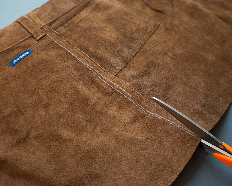DIY Upycled Leather Apron || www.isntthatsew.com