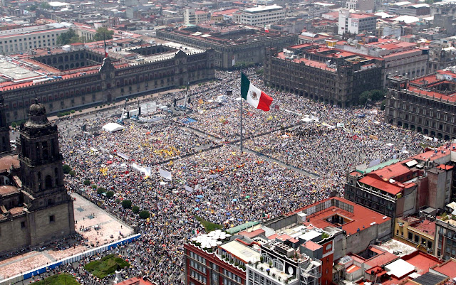 "Travelling Mexico: Plaza of the Constitution ""zocalo"""