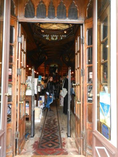 Lello книжный магазин в Порту