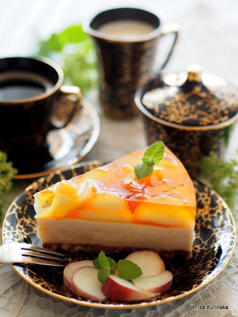 pianka brzoskwiniowa , brzoskwinie poaraguayo , deser piankowy , ciasto bez pieczenia , galaretka na winie , z owocami