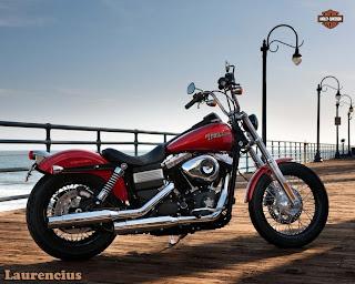 Harley-Davidson-Dyna_Street_Bob_FXDB