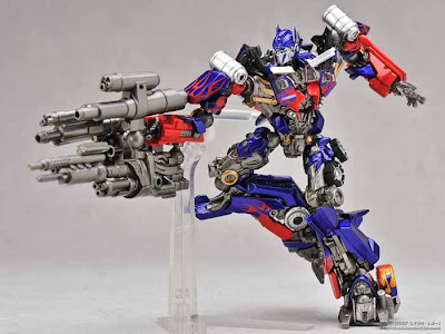 Revoltech Sci-Fi series No.030 Optimus Prime Dark of The Moon Ver.