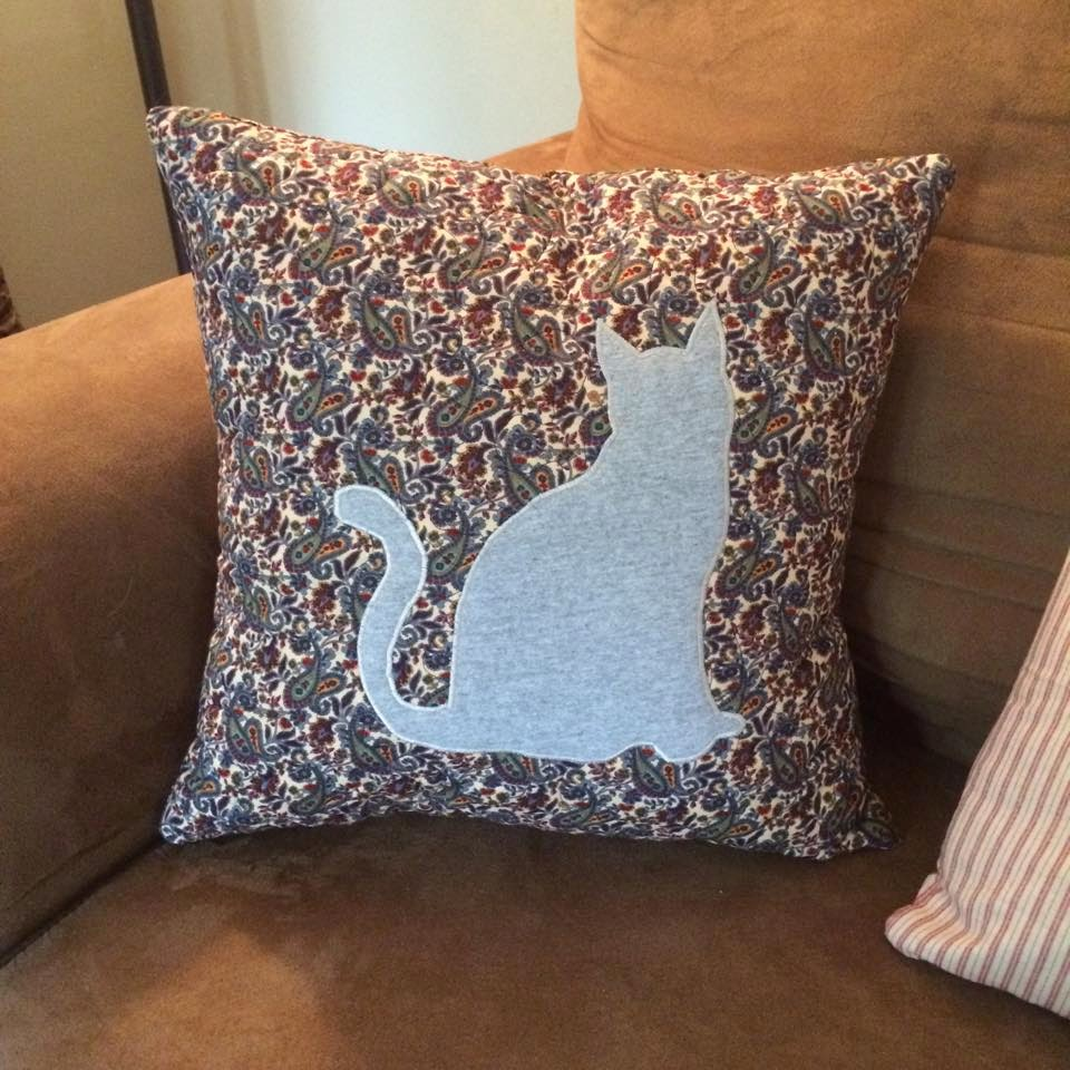 Do-It-Myself Crafts: Throw Pillows - Pinterest Project