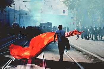 manifestante em roma
