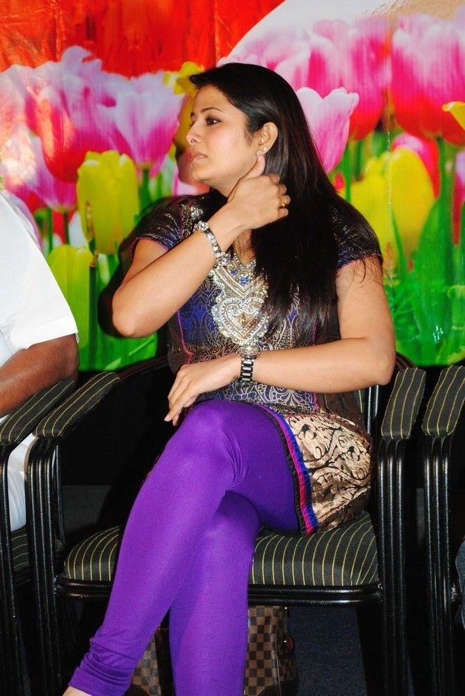 http://1.bp.blogspot.com/-q9TX6uBWFTw/TgQiwRDde_I/AAAAAAAAbDs/UFLcCosCYKY/s1600/actress-sangeetha-stills-7.jpg