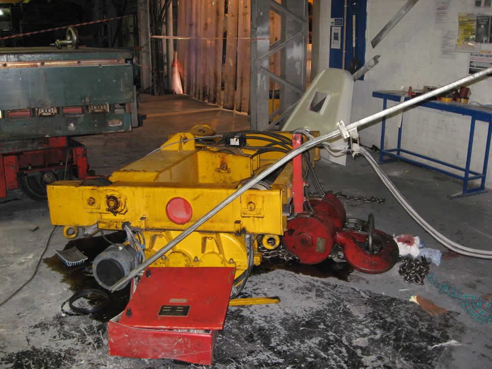 Overhead Crane Failure : Lecrane chronicle how much can i pick up with my crane