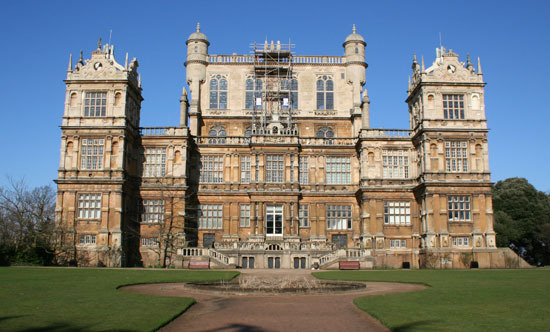 Portraits of the rich famous cost of the wayne manor for Mansion prices