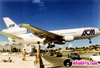 pesawat raksasa