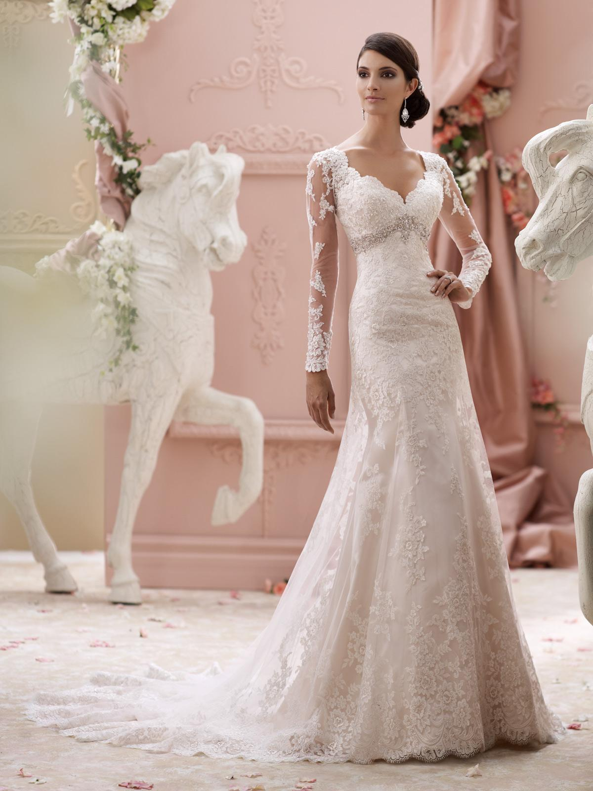 Wedding dress styles for brides and others poise passion for Wedding dress pick up style