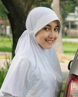 Foto Cewek Berjilbab 9