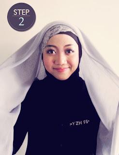 Memakai Jilbab Segiempat