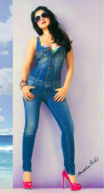 Amisha Patel Hot Thigh Photos