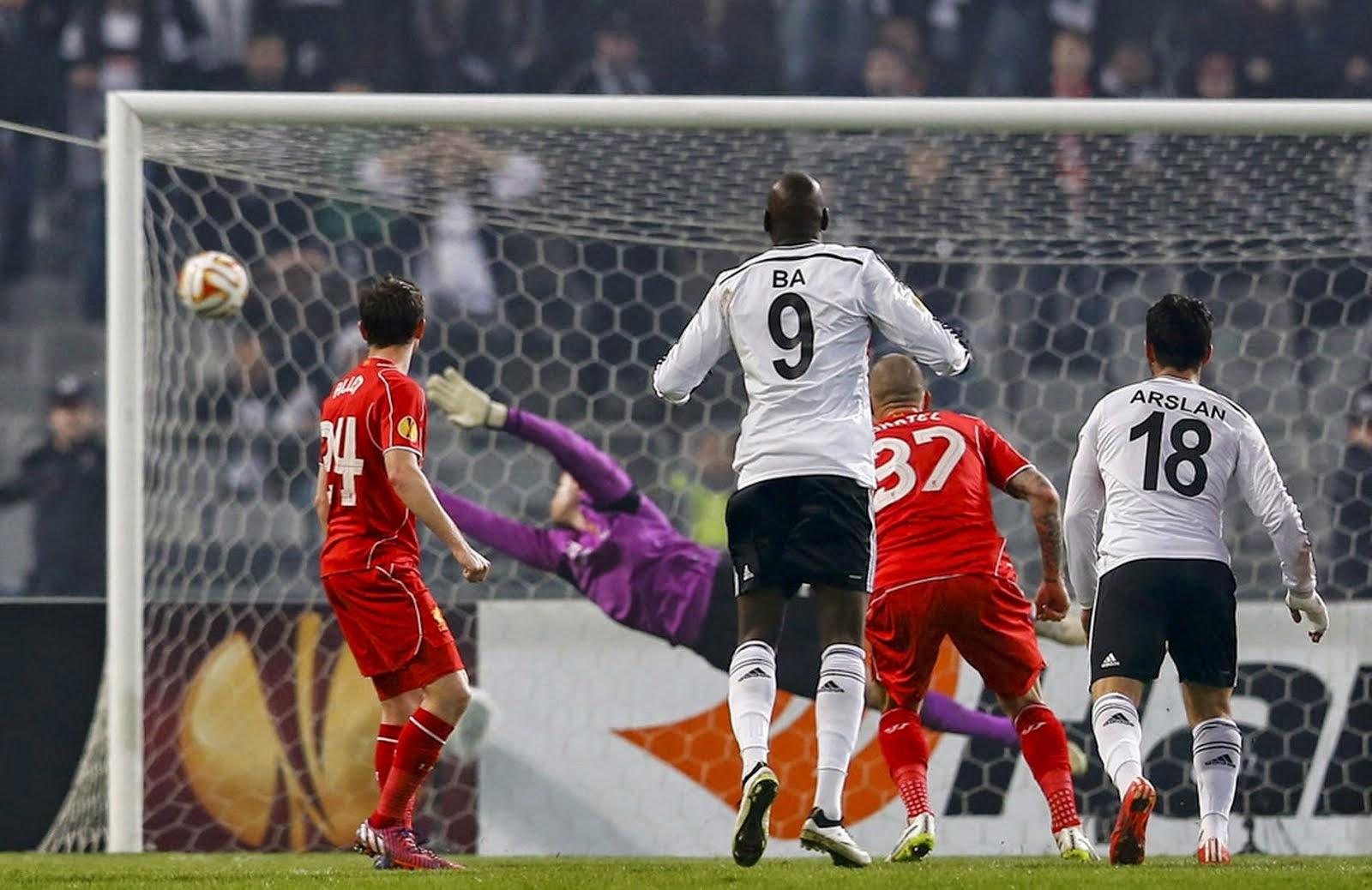 Tolgay Arslan scores a perfect goal against Liverpool.