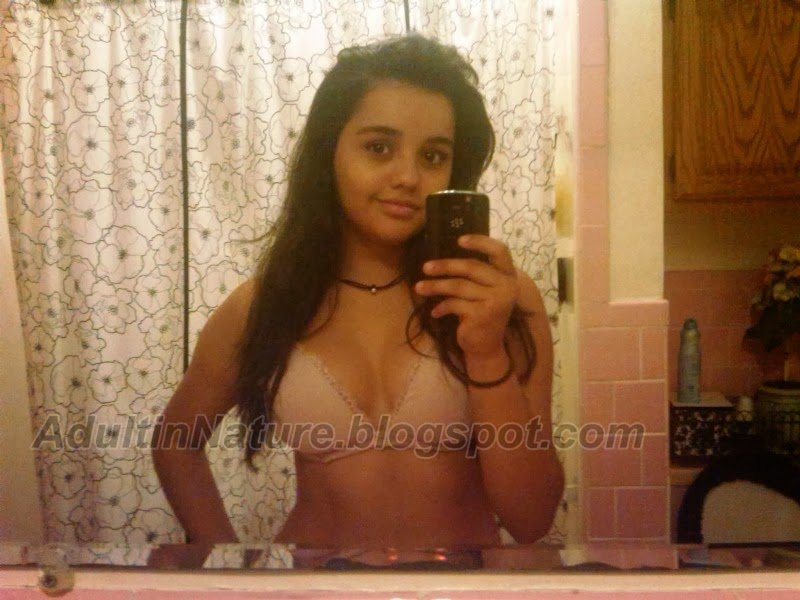 Cute very young teen girls selfies