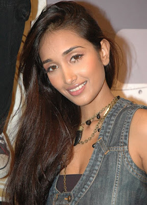 Jiah Khan Gold Chain