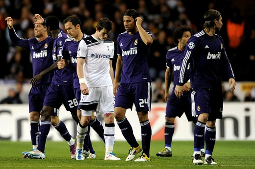Gareth Bale with Real Madrid palyers at a Champions League game