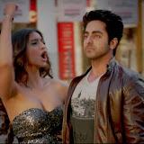 bewakoofian Sonam Kapoor Hot Bikini Stills  (2)