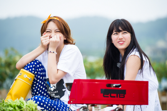 [PICTURE] Bae Suzy and Kang Jiyoung Invincible Youth 2 Photo