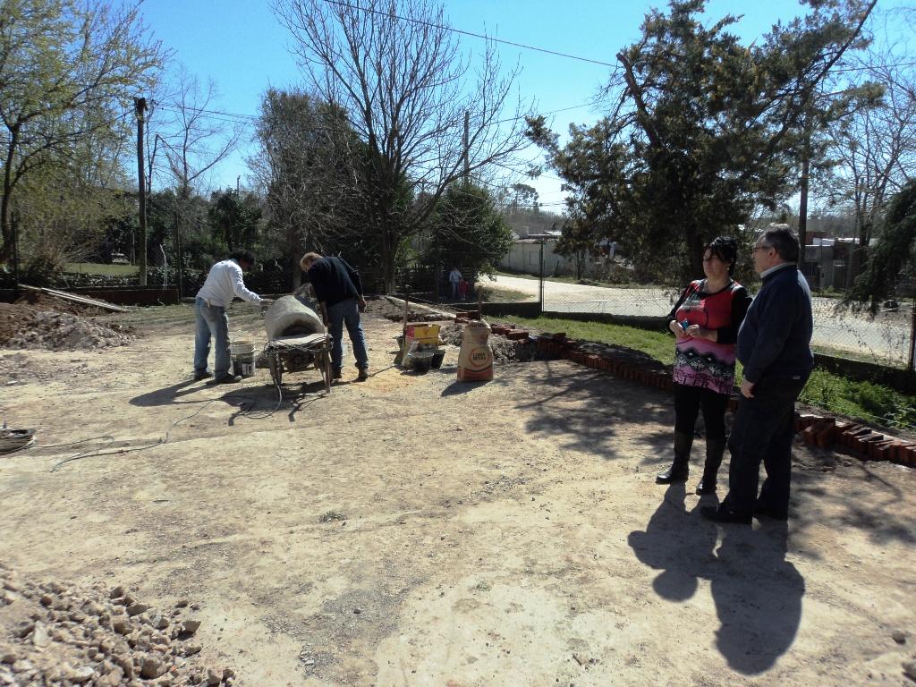 Isla sola online mantenimiento y ampliaciones en jardines for Trabajo de mantenimiento de jardines
