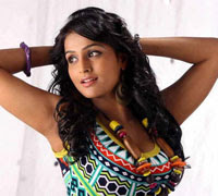 Remya Nambeesan's liplock scene in Chappa Kurishu?