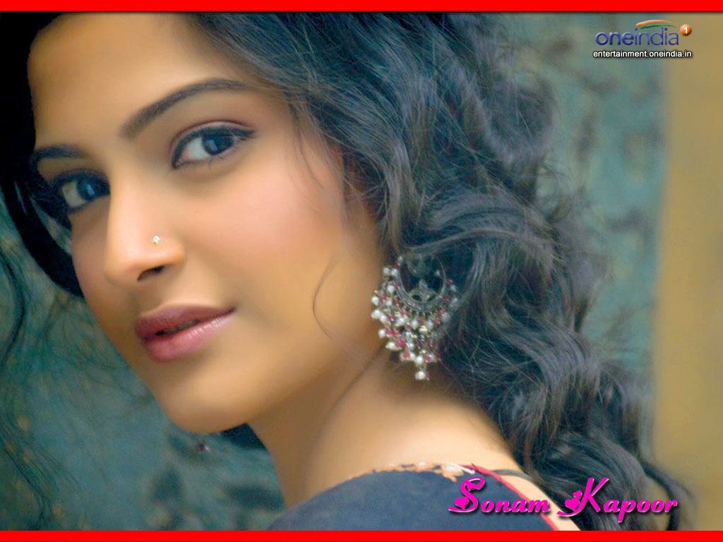 Sonam kapoor Face Close up1 - Sonam kapoor Cute Face Close up Pics